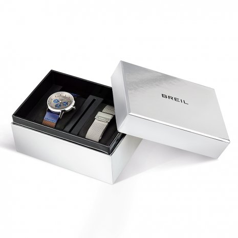 Gents Quartz Watch with DayDate & Extra Mesh Strap Spring Summer Collection Breil