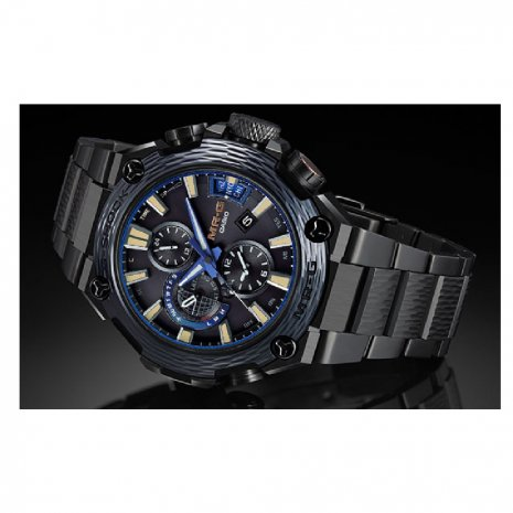 Limited to 500 pcs handcrafted Titanium Watch with 3-way connectivity Fall Winter Collection G-Shock