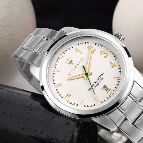 Steel Gents Watch with Date Collection Printemps-Eté Maserati