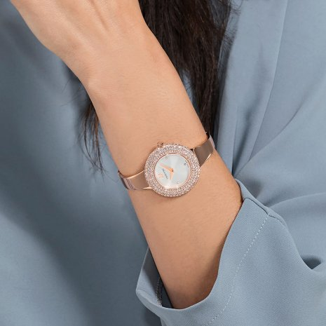 Rose gold ladies watch with crystal inlayed case Fall Winter Collection Swarovski