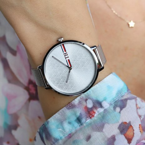 Silver Ladies Watch with Earrings Fall Winter Collection Tommy Hilfiger