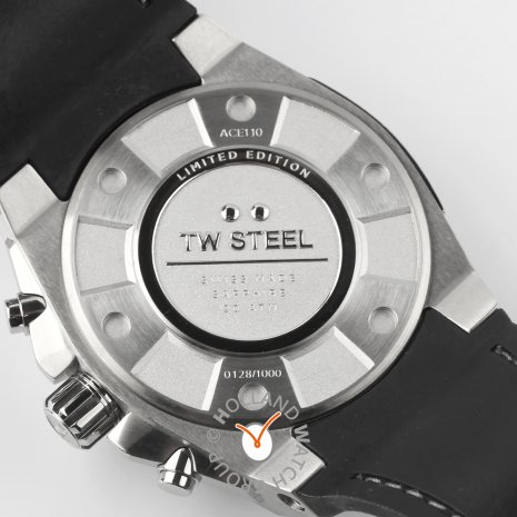 Limited to 1000 Chronograph with day/date for men Fall Winter Collection TW Steel