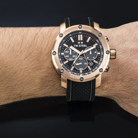Rose gold chronograph with black dial and rubber strap Fall Winter Collection TW Steel